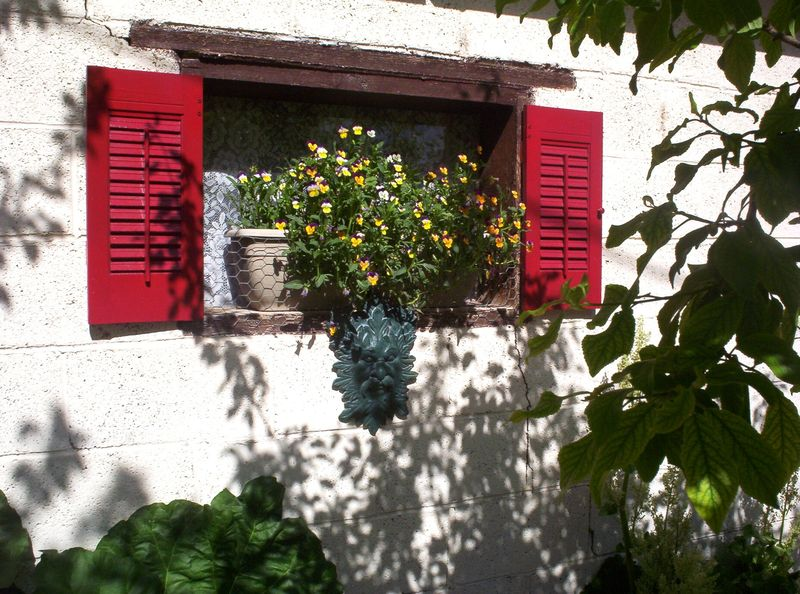 Green man and red shutters