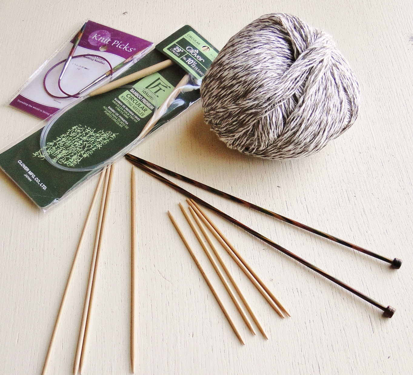 Clover Bamboo Flex knitting needles